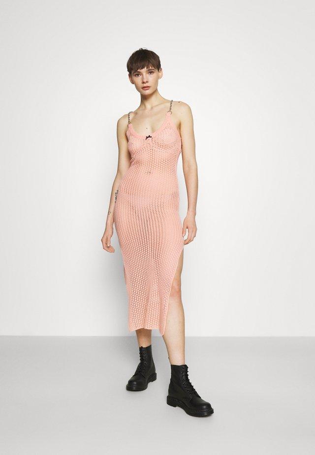 BLEACHER - Sukienka dzianinowa - pink