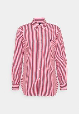 CUSTOM FIT STRIPED POPLIN SHIRT - Košile - sunrise red/white