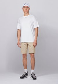 BOSS - LIEM - Shorts - light beige - 1