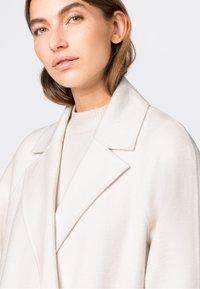 HALLHUBER - Classic coat - creme - 2