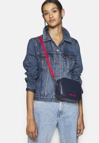 Tommy Jeans - NEW CROSSOVER - Across body bag - blue - 1