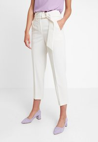 IVY & OAK - Trousers - vanilla - 0