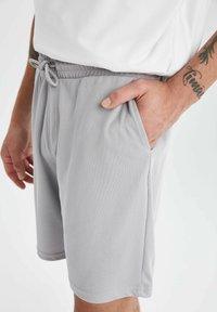DeFacto Fit - Shorts - grey - 3