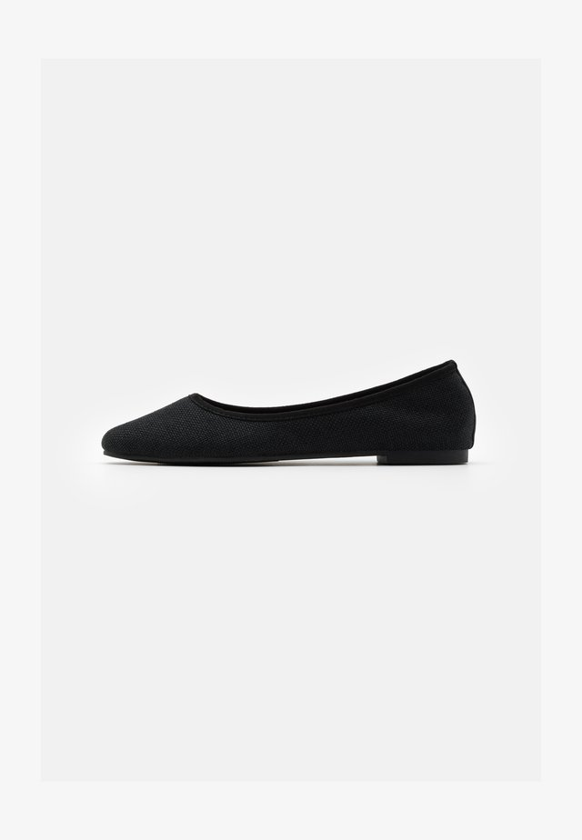 ESSENTIAL CARINA SQUARE TOE BALLET - Ballerines - black