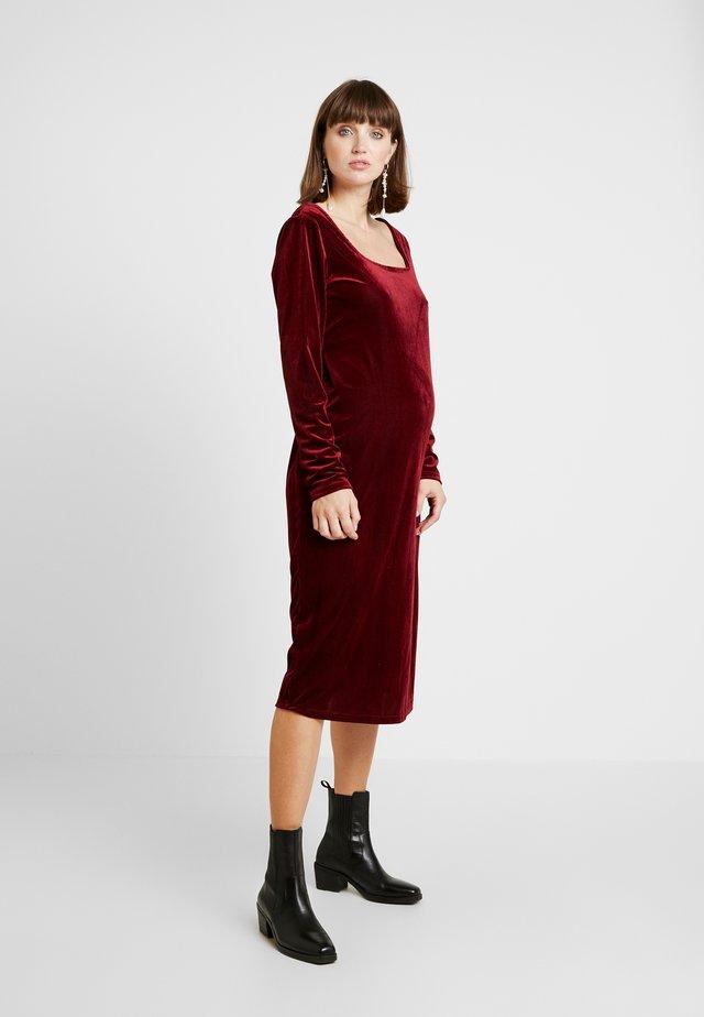 DRESSES - Vestito estivo - burgundy