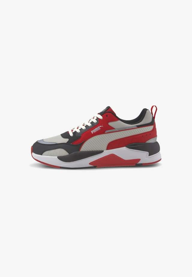 Sneakers laag - hi risk red-gray violet-blk