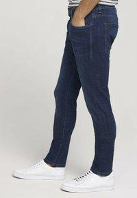 TOM TAILOR - TROY  - Slim fit jeans - stone wash denim - 3