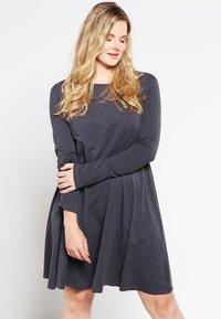 Zalando Essentials Curvy - Jersey dress - dark grey melange - 0