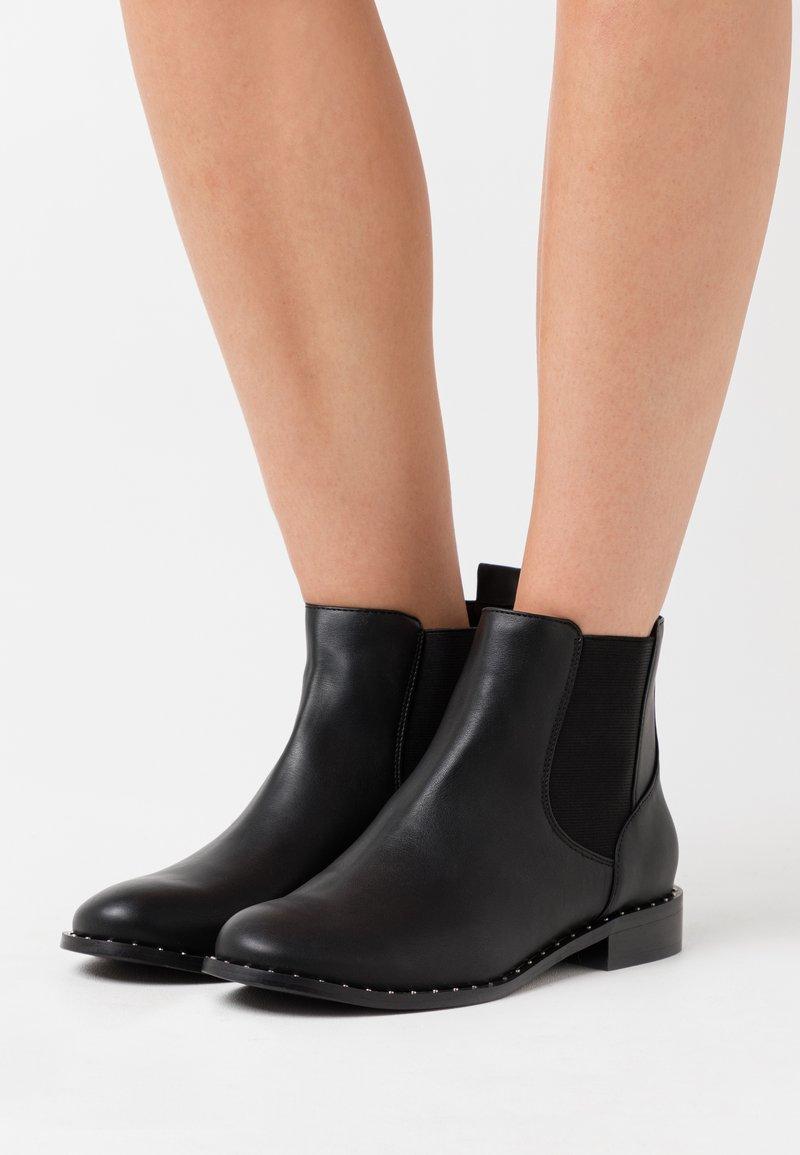 Bianco - BIAELLA STUD CHELSEA BOOT - Kotníková obuv - black