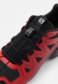 Salomon - SPEEDCROSS 5 - Běžecké boty do terénu - goji berry/white/black - 5