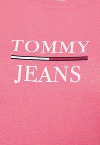 Tommy Jeans - ESSENTIAL - Triko spotiskem - botanical pink - 6