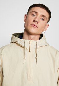 Dickies - BRONWOOD - Windbreaker - light taupe