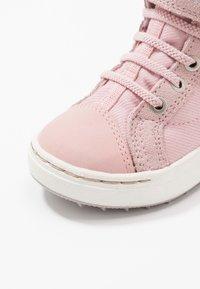 Viking - SAGENE MID GTX - Hiking shoes - light pink/violet - 2
