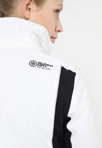 Superdry - SLEEK PISTE SKI JACKET - Ski jacket - white - 11