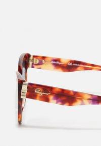 Salvatore Ferragamo - Sunglasses - red - 3