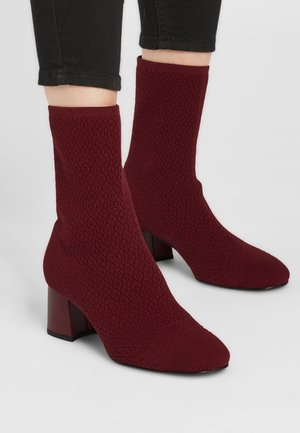 PORTA - Classic ankle boots - weinrot