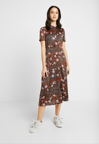 Vero Moda - VMISABEL DRESS - Maxi dress - tortoise shell/isabel - 0