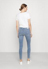 AG Jeans - FARRAH SKINNY ANKLE - Skinny-Farkut - light blue - 2