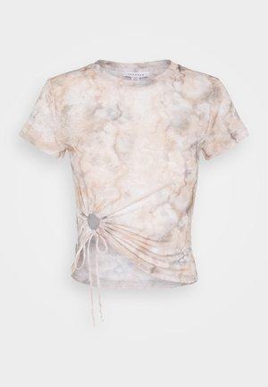 BATIK  - T-shirt med print - white