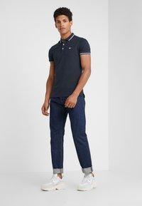 Emporio Armani - Polo shirt - blu scuro - 1