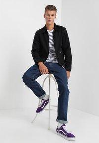 Wrangler - GREENSBORO - Jeans straight leg - darkstone - 1