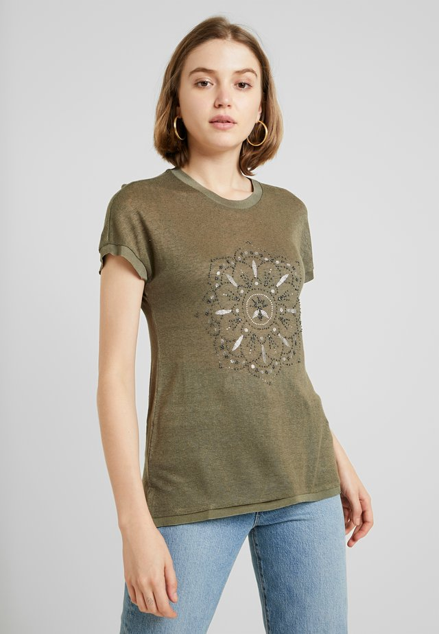 ONLRILEY PEARL BOX - Camiseta estampada - kalamata/mandala