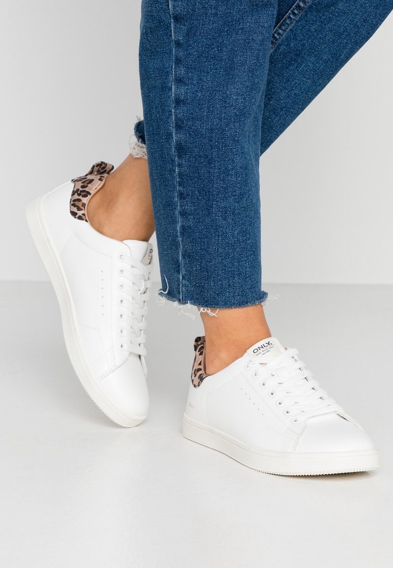 ONLY SHOES - ONLSHILO ANIMAL - Sneakers laag - white/beige