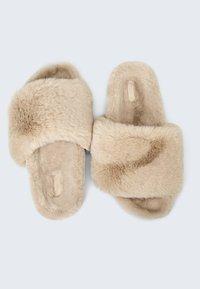 OYSHO - Pantofle - beige - 1