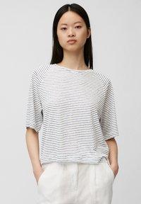 multi/white linen