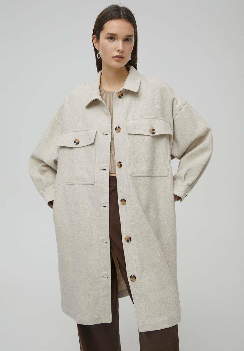 PULL&BEAR - Classic coat - beige