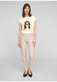 comma - Print T-shirt - white - 3