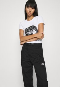 The North Face - GEODOME TEE - T-shirts med print - white - 3