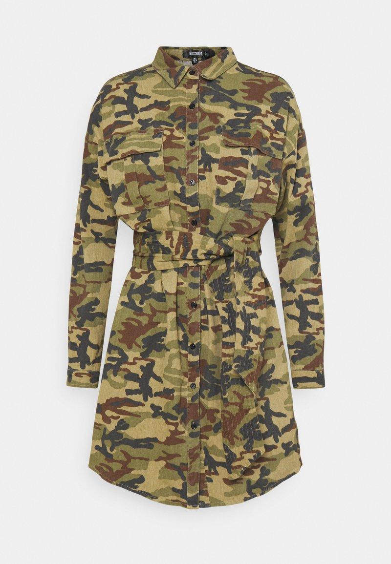Missguided - CAMO PRINT TIE WAIST DRESS - Shirt dress - khaki