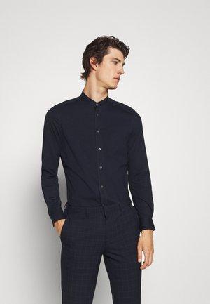 TAROK - Košile - blau