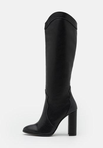 PUDDING - Laarzen met hoge hak - black
