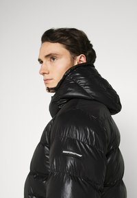 Good For Nothing - HADLOW SHINE PUFFER - Winter jacket - black - 4