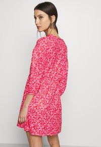 Wednesday's Girl - DROP SHOULDER BALLOON SLEEVE MINI DRESS - Trikoomekko - red/pink - 2