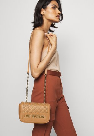BORSA   - Across body bag - camel