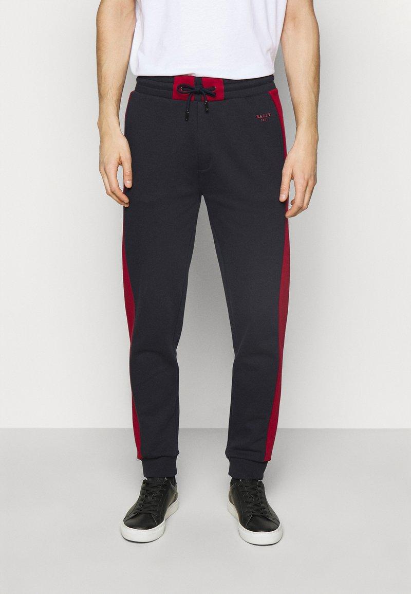Bally - Jogginghose - ink/bally red