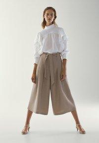 Massimo Dutti - MIT SCHLEIFE - Pantalon classique - brown - 1