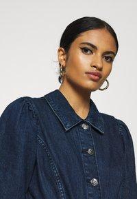 ONLY - ONLCLARITY LIFE PUFF - Vestito di jeans - dark blue denim - 4