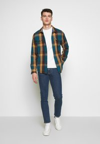 J.LINDEBERG - JAY CRIKEY - Jeans slim fit - mid blue - 1