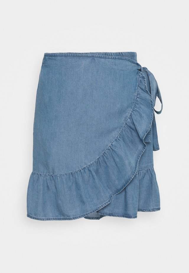 ONLSOFIA WRAP KNEE SKIRT - Omslagsskjørt - medium blue denim