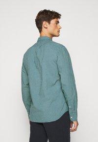 J.CREW - CLASSIC PARKER GINGHAM - Shirt - royal green - 2