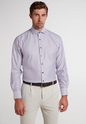 MODERN FIT - Shirt - lila