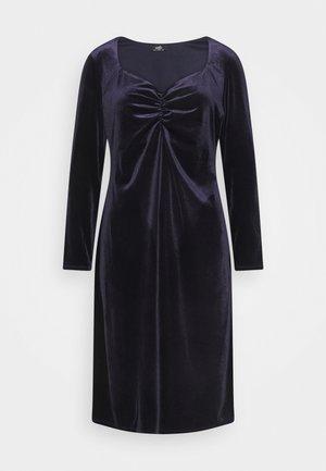 SWEETHEART VELVET DRESS - Jurk - purple