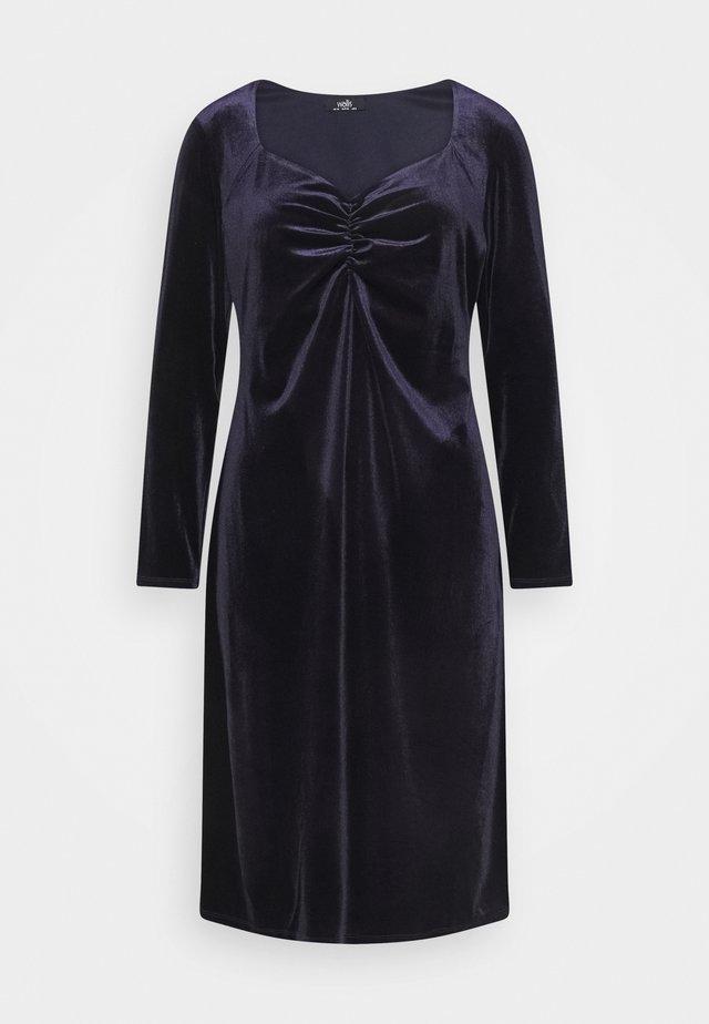 SWEETHEART VELVET DRESS - Korte jurk - purple