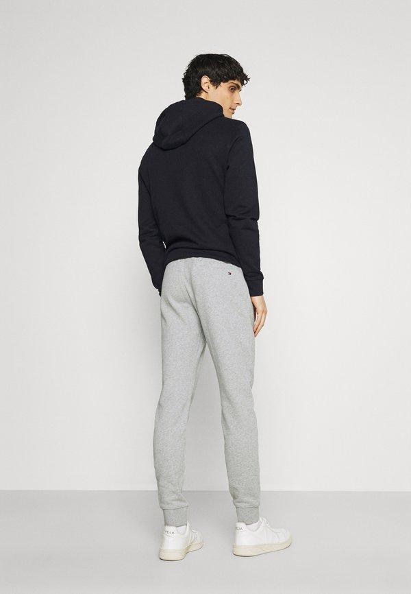 Tommy Hilfiger ESSENTIAL - Spodnie treningowe - medium grey heather/szary melanż Odzież Męska KJHE