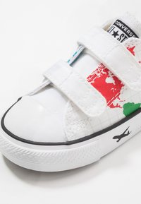 Converse - CHUCK TAYLOR ALL STAR WORLDWIDE - Zapatillas - white/university red/black - 2