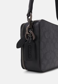 Coach - CHARTER CROSSBODY IN SIGNATURE - Sac bandoulière - charcoal - 3
